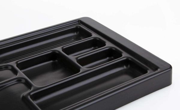 吸塑托盘出现壁厚不均匀是什么原因?